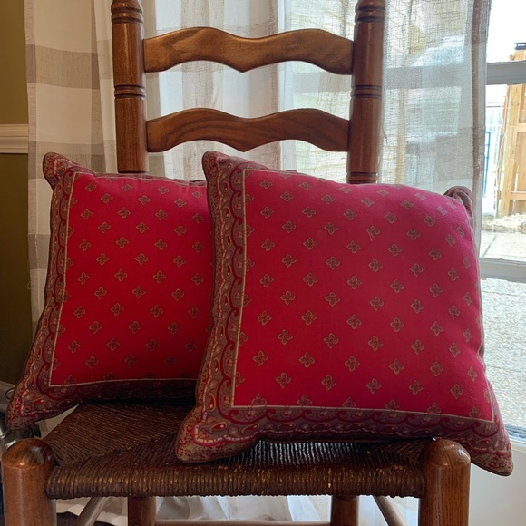Liz Claiborne Other - Liz Claiborne  throw pillows